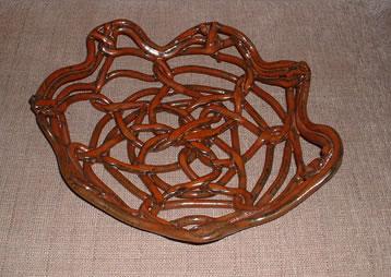 basket pretzelTop.jpg (32380 bytes)