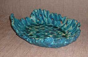 basket turquoise.jpg (21927 bytes)